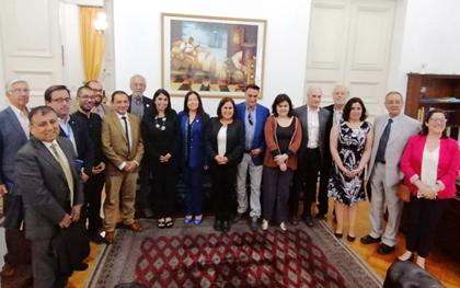 Reunión de representantes de la Federación de Colegios Profesionales con personeros de Gobierno